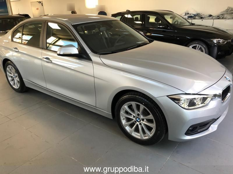 BMW Serie 3 320d Business Advantage aut. Glacier Silver Km 0