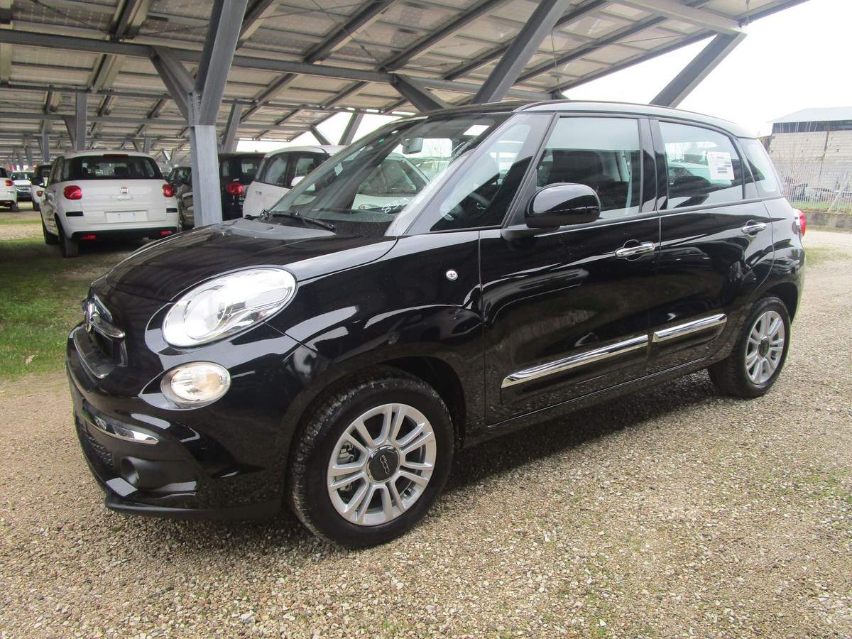 FIAT 500L 1.6 MultiJet 120 CV Pop Star Nero Cinema Km 0
