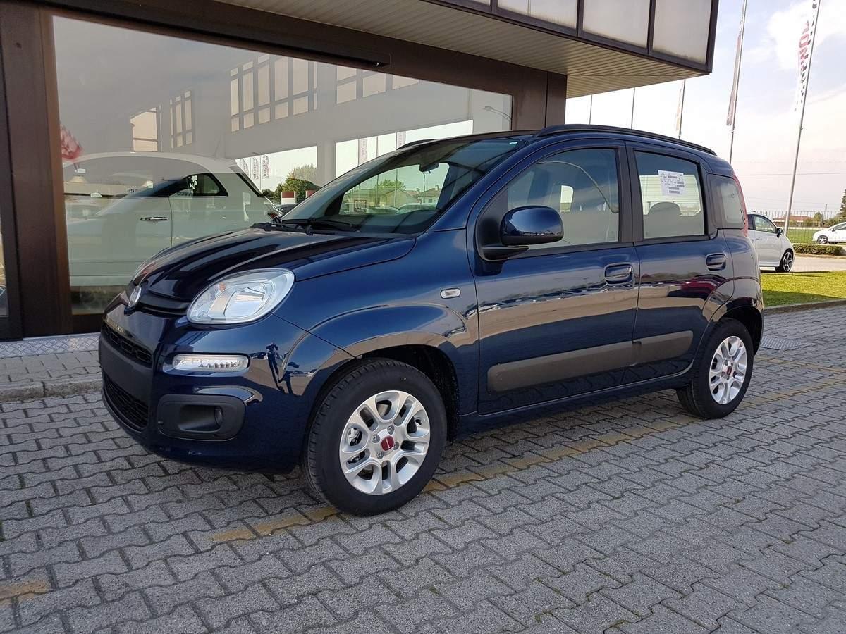 FIAT Panda 1.2 Lounge Blu Mediterraneo Km 0