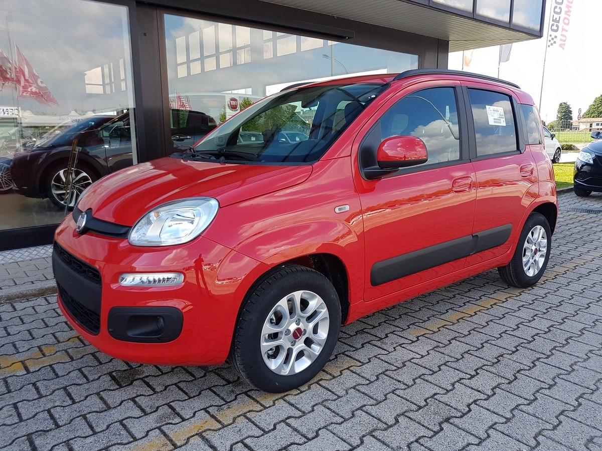 FIAT Panda 1.2 Lounge Rosso Passione Km 0