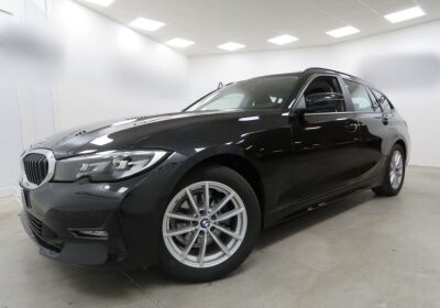 BMW Serie 3 318d Touring Business Advantage aut. Schwarz Usato Garantito