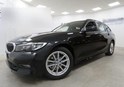 BMW Serie 3 320d touring Business Advantage auto Saphirschwarz Usato Garantito