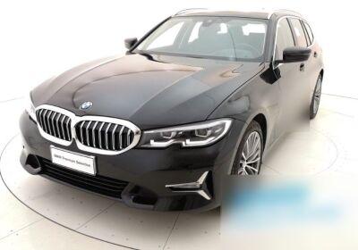 BMW Serie 3 320d Touring Luxury Saphirschwarz Usato Garantito