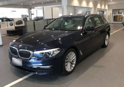 BMW Serie 5 520d touring Business auto Imperial blue Usato Garantito