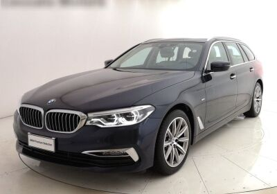 BMW Serie 5 520d Touring Luxury Imperial blue Usato Garantito