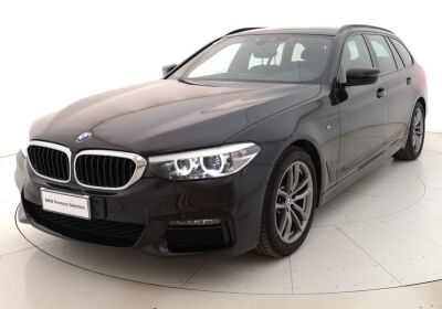 BMW Serie 5 520d touring xdrive Msport auto Saphirschwarz Usato Garantito