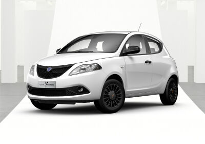 LANCIA Ypsilon 1.2 69 CV 5 porte S&S Black and Noir Bianco Neve Km 0