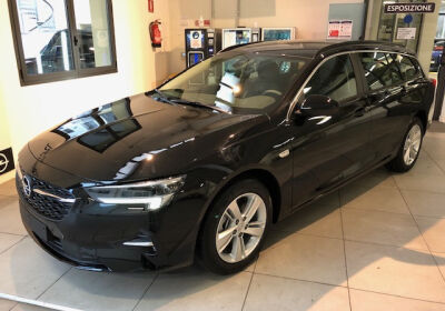 OPEL Insignia 1.5 CDTI S&S aut. Sports Tourer Business Edition Mineral Black Km 0