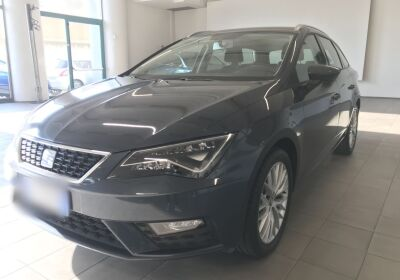 SEAT Leon 1.5 tgi Business 130cv dsg Grigio Magnetico Km 0
