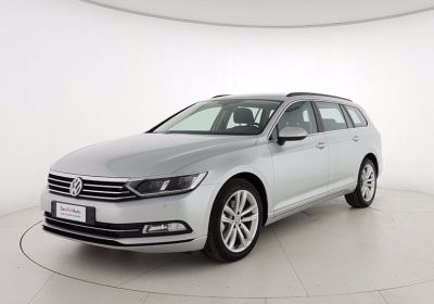 VOLKSWAGEN Passat Variant 2.0 TDI DSG Business BlueMotion Tech Argento Riflesso Km 0