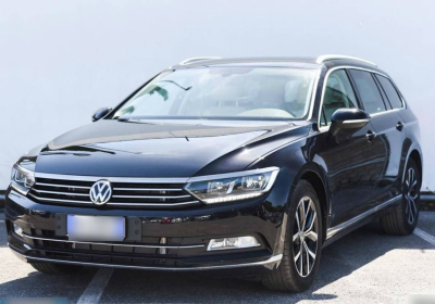 VOLKSWAGEN Passat Variant 2.0 TDI DSG Executive BlueMotion Tech. Nero Perla Km 0