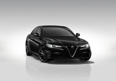ALFA ROMEO Giulia 2.2 Turbodiesel 180 CV AT8 Sport Edition Nero Vulcano Km 0