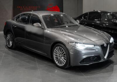 ALFA ROMEO Giulia 2.2 Turbodiesel 180CV AT8 Super Grigio Vesuvio Km 0