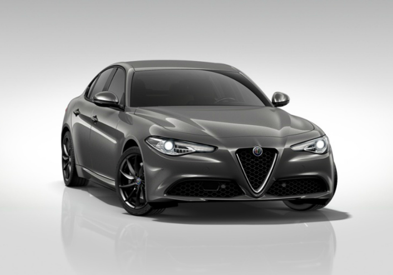 ALFA ROMEO Giulia 2.2 Turbodiesel 180 CV AT8 AWD Q4 Super Grigio Vesuvio Km 0 T0PPO-a