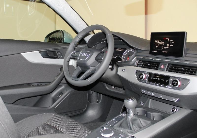 AUDI A4 2.0 TDI 150 CV Business Argento Floret Km 0 9GLTI-e
