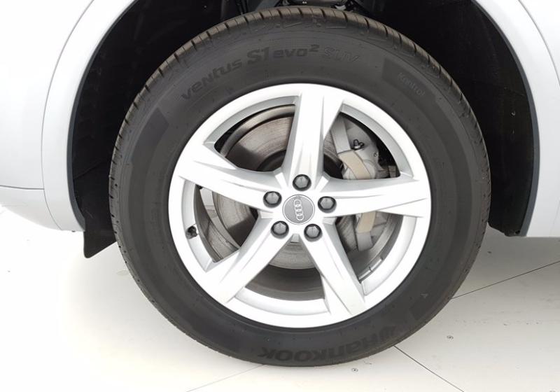 AUDI Q5 2.0 TDI 190 CV quattro S tronic Business Sport Argento Floret Km 0 UNW0WNU-m