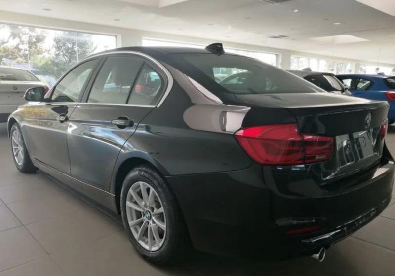 BMW Serie 3 318d 5p. Business Advantage Automatica Black Km 0 M0OS3-3
