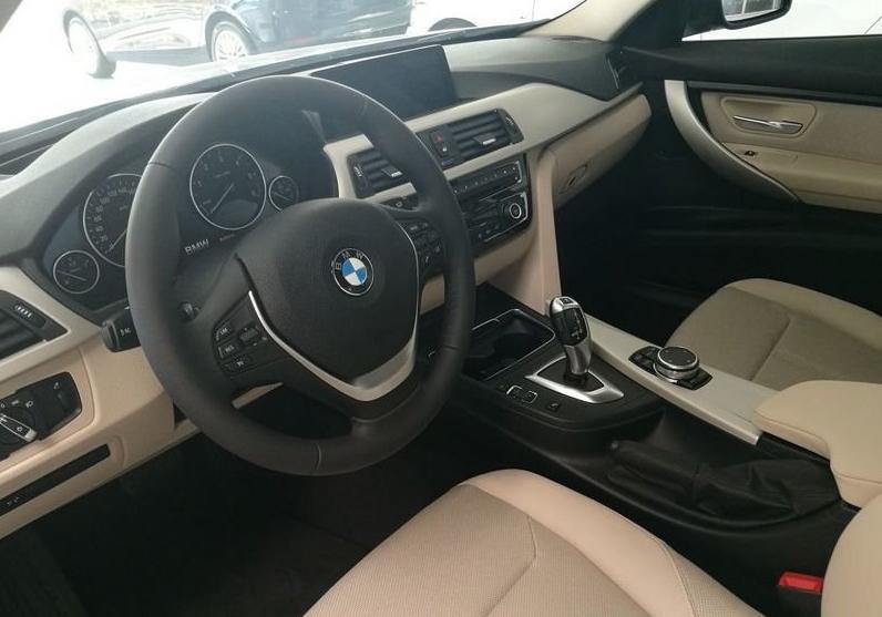 BMW Serie 3 318d 5p. Business Advantage Automatica Black Km 0 M0OS3-5