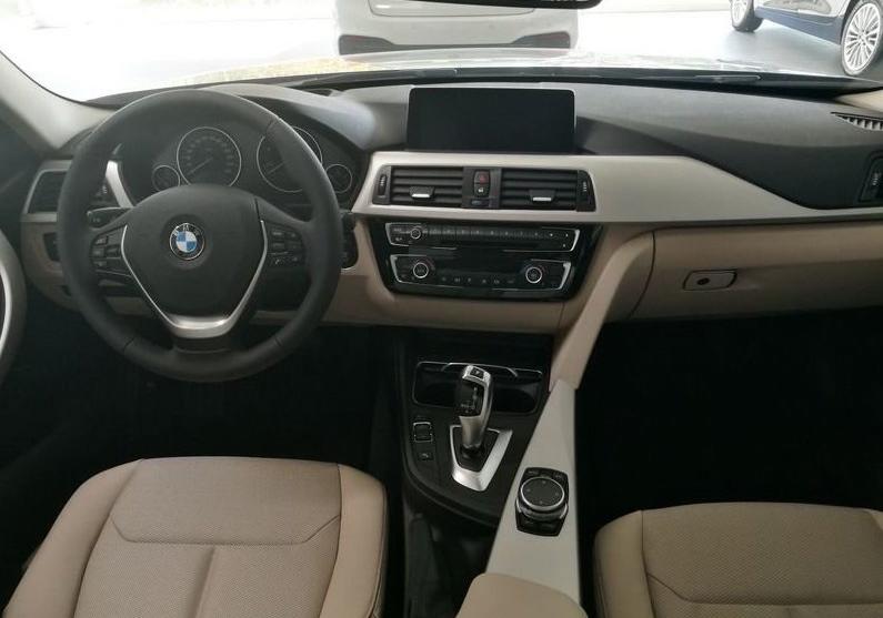 BMW Serie 3 318d 5p. Business Advantage Automatica Black Km 0 M0OS3-6