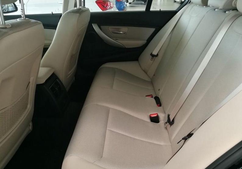 BMW Serie 3 318d 5p. Business Advantage Automatica Black Km 0 M0OS3-7