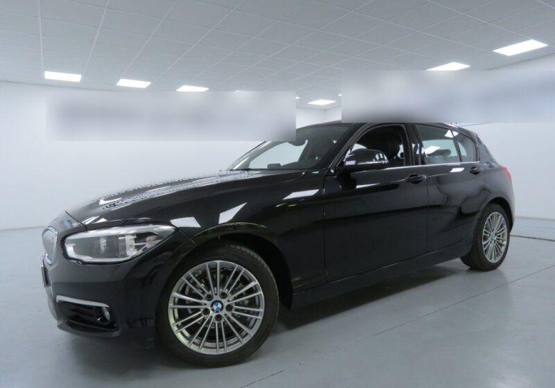 BMW Serie 1 BMW 116d 5p. Urban Saphirschwarz Usato Garantito QE0B5EQ-a