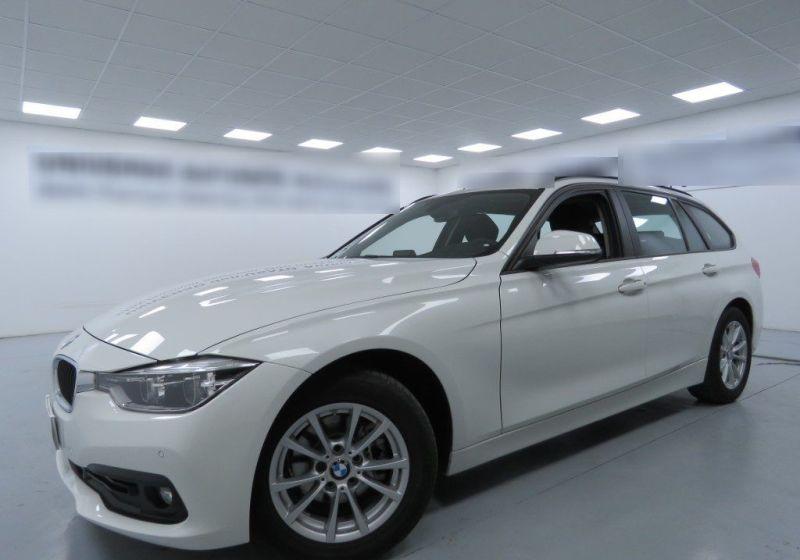 BMW Serie 3 318d Touring Business Advantage Automatica Alpinweiss III  Usato Garantito 7S0B3S7-a