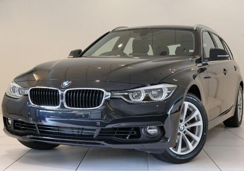 BMW Serie 3 318i touring Business Advantage auto Saphirschwarz Km 0 WA0BDAW-a