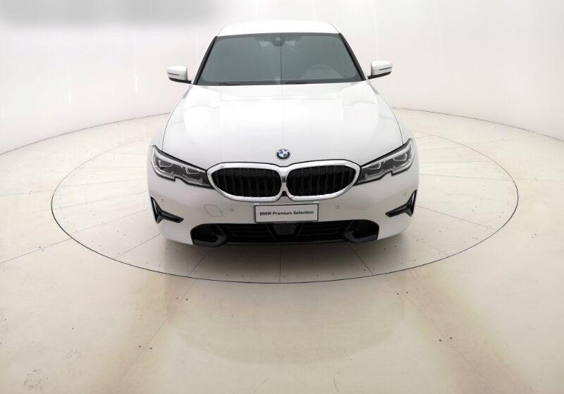 BMW SERIE 3 330e Sport Mineral White Usato Garantito RM0B9MR-a-v2