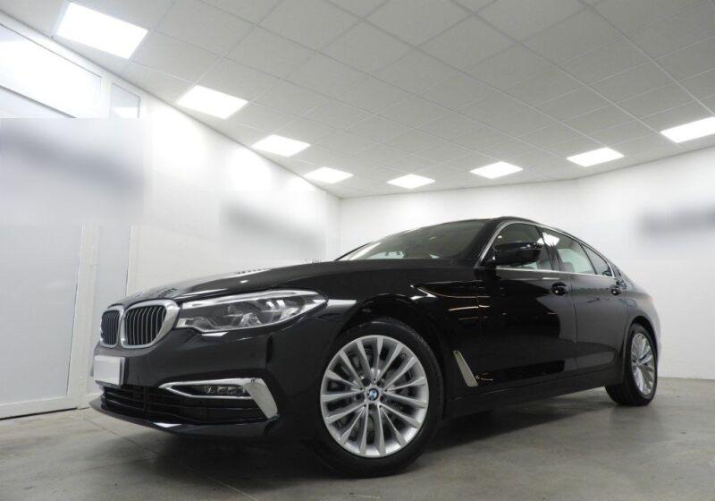 BMW Serie 5 520d aut. Luxury Saphirschwarz Usato Garantito 5R0BER5-a_censored