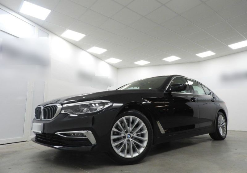 BMW Serie 5 520d aut. Luxury Saphirschwarz Usato Garantito CK0B2KC-a_censored