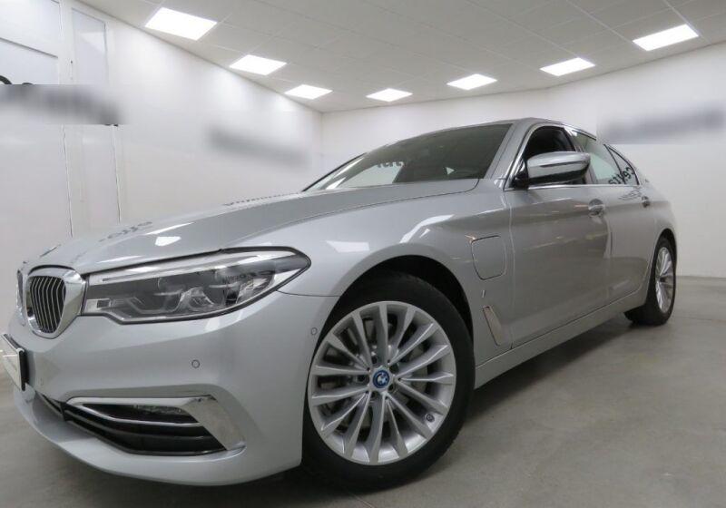 BMW Serie 5 530e Luxury Glaciersilber Usato Garantito 360CJ63-a_censored%20(1)