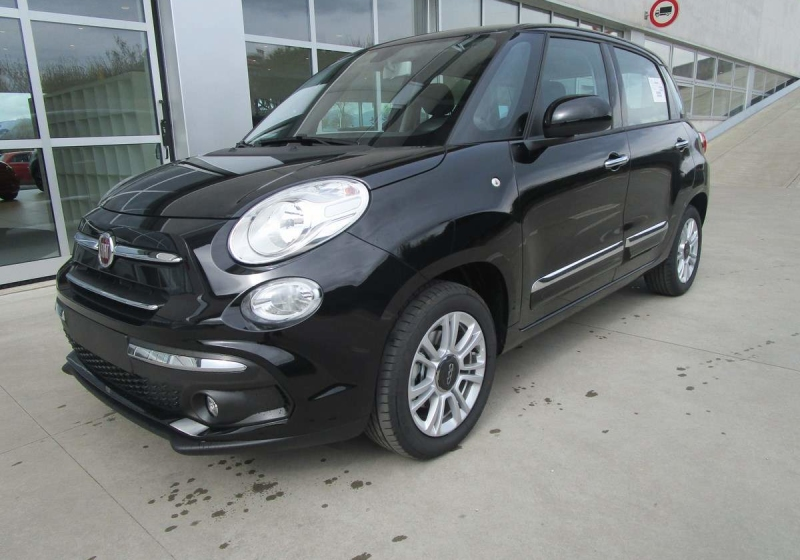 FIAT 500L 1.6 MultiJet 120 CV Pop Star Nero Cinema Km 0 JCK25-a