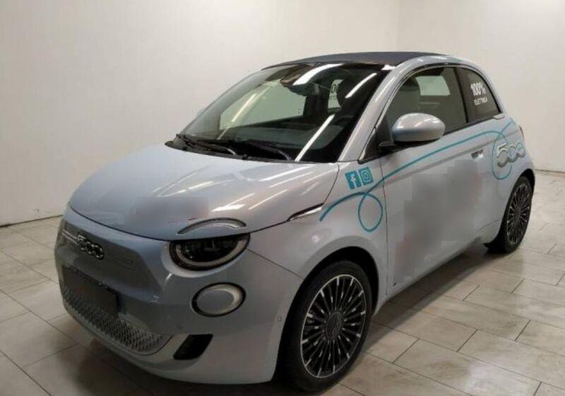 FIAT 500e Icon Cabrio celestial Blue Usato Garantito 9B0CCB9-Schermata%202021-04-29%20alle%2014.46.03_censored