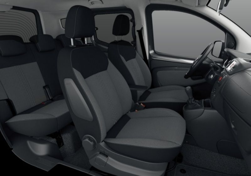 FIAT Qubo 1.3 MJT 80 CV Lounge MY19 Nero Tenore Km 0 9J0BBJ9-34170_interno_lato_6