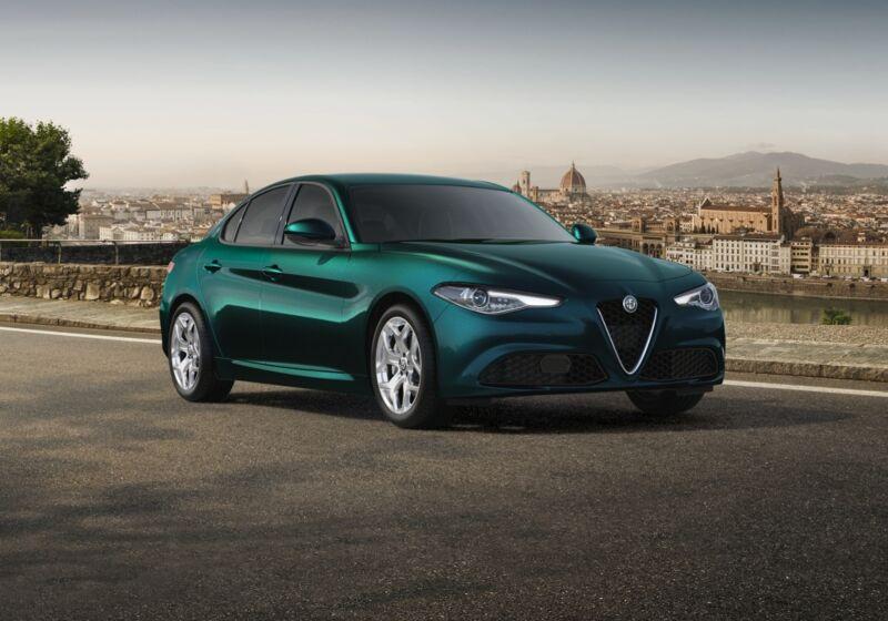 ALFA ROMEO Giulia 2.2 t Executive 160cv auto Verde Visconti Km 0 750B757-52659_esterno_lato_1