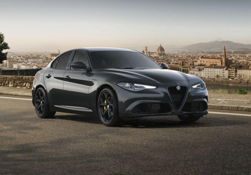 ALFA ROMEO Giulia 2.2 Turbodiesel 210 CV AT8 AWD Q4 Veloce Grigio Vesuvio Km 0 V40BS4V-55643_esterno_lato_1